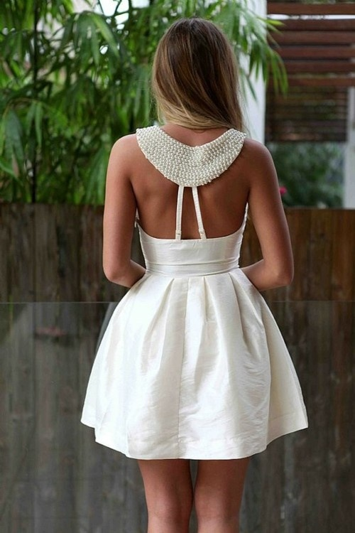 tooposhtocare:  The back of this dress. GIMME.