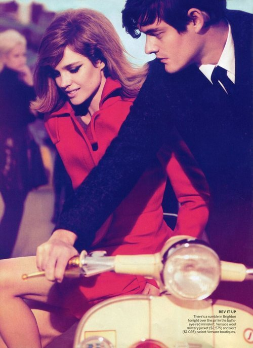 this is how you ride a Vespa, ladies.