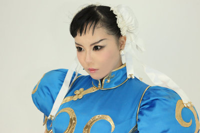 Yeah, this picture is actually a photograph of a Chun-Li cosplayer. Wow. #art #capcom