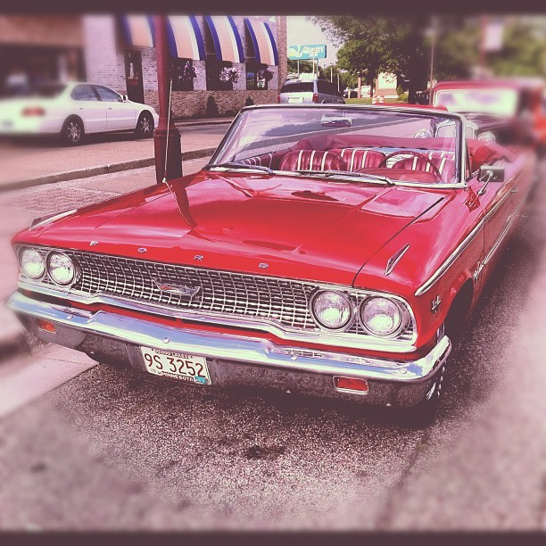 #ford galaxy #cars #classics #picoftheday #iphonography #1977 (Taken with instagram)