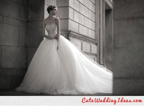 t-fairygodmotherofweddings:  The Perfect Wedding Gown…