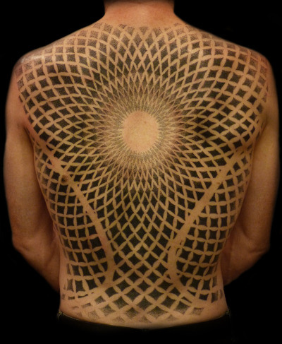 fuckyeahblackwork:  Dotwork backpiece done by eRic The Viking @ Happy Sailor, London UK