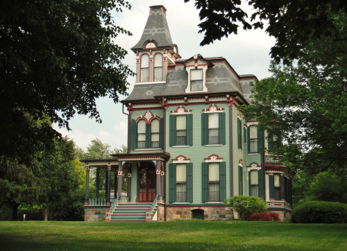 Davenport-Curtiss House in Saline, Michigan.  (Near where I'm going to be moving to soon.)  This Victorian house was built in 1875.  Photograph taken by I_Dig_Doug.