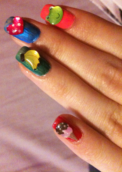 Cute 3-d nails! (via explodingpuppet | Beautylish)
