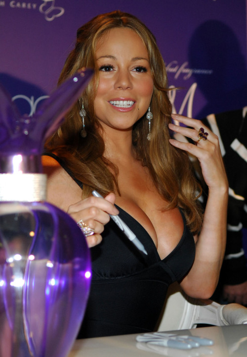 Mariah Carey busty diva exposing hers bobsfree nude picturesLink to photo & video: bit.ly/JgYmVv