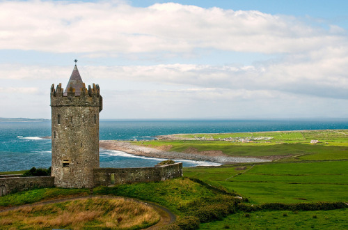 travelthisworld:  Doonagore Castle, Doolin Point, County Clare, Ireland