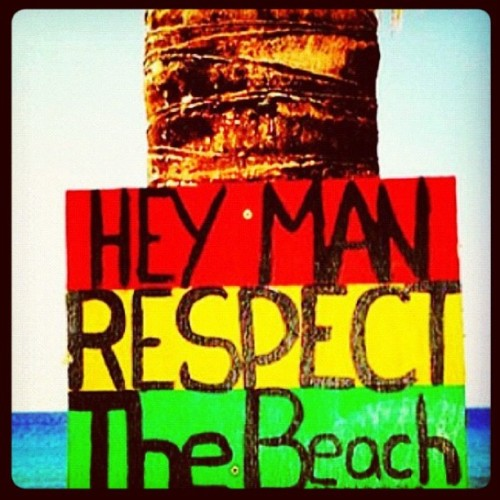 Day 5 - Sign #photoadayjune#day5#sign#heyman#respect#thebeach#rasta#red#green#yellow#instagood#iphonesia#iphoneonly#iphonography  (Taken with instagram)