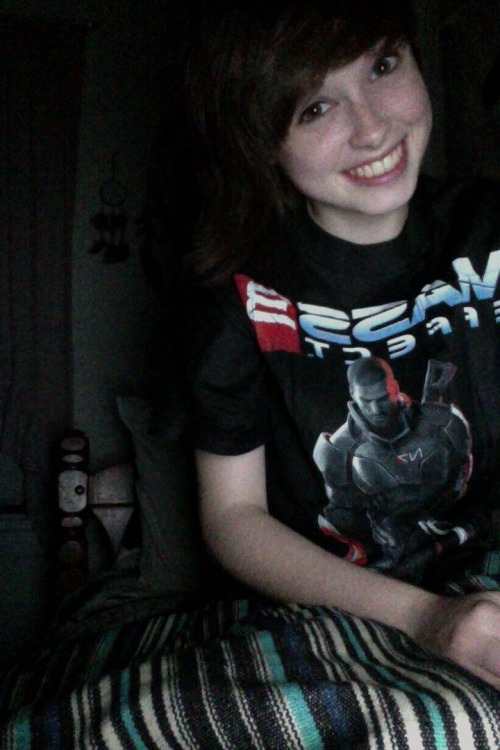 Mass Effect 3 shirts pennied out at work todaaaaaay so I got a free shiiiiirrrrrrrt. c: