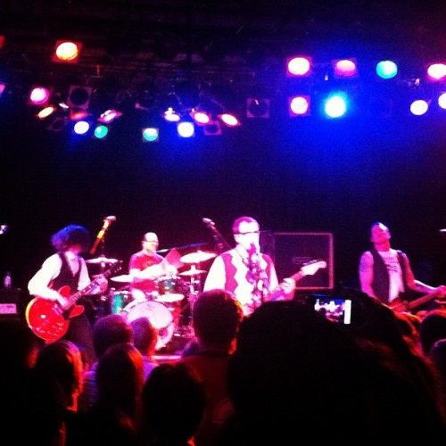Sing-a-longs galore! @weezer #classics  (Taken with Instagram at The Roxy)