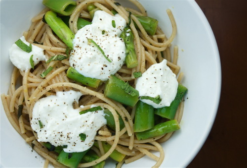 Whole Wheat Spaghetti in a Lemon-Garlic Vinaigrette with Spring Peas, Asparagus, Ricotta & Mint2 servings dry Whole Wheat Spaghetti1 1/2 cup Spring Peas in pods1/4 pound fresh Asparagus1/2 cup Ricotta Cheese1/4 cup of fresh Mint, chopped2/3 cup Extra Virgin Olive Oil (plus more for pasta)1 Lemon1 clove Garlic Salt & Pepper Bring a large pot of water to boil with a tablespoon of olive oil and a couple pinches of salt.  Bring a medium sized pot of water to boil.  Prepare an ice bath (ice in a bowl of water).  Chop asparagus and spring peas.  Once large pot of water is boiling, add pasta.   Cook until al dente and drain.  In the medium sized pot, add asparagus and peas.  Cook  for about 1 minute, then drain and add to ice bath to cool.  Add to a bowl, whisk together 2/3 cup olive oil and the juice and zest of one lemon with garlic.  Salt to taste.  In a saute pan, toss pasta with lemon vinaigrette and vegetables to coat.  Salt and pepper to taste and bring to warm temperature.  Remove from heat and plate in bowls.  Top with a few spoonfuls of ricotta, a generous amount of mint and fresh pepper.  Toss together as you eat. This past weekend, I attended one of my best friend's bachelorette party in Greenport, Long Island.  We stayed at the amazing Silver Sands Motel (I can't express how I adore their bright yellow outdated kitchen, 70's carpet, buckets of snacks), then went to a few wineries around the area the next morning.  It was a beautiful day and we tried so many delicious wines (and some so-so ones).  If you're ever looking for a little jaunt in the New York area, it can't be beat.  I recommend a sober, patient driver who does not care if everyone in the car sings loudly to 90's music the entire afternoon (thanks Mads!)