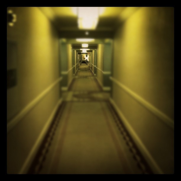 #vegas #mandalaybay #hotel #casino #hallway (Taken with Instagram at Mandalay Bay Resort & Casino)