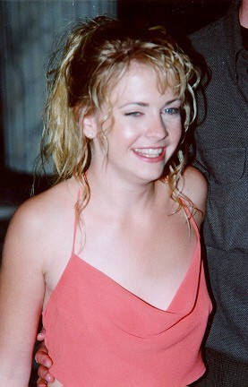 Melissa Joan Hart cleavage & bikini picturesfree nude picturesLink to photo & video: bit.ly/JhaSUO