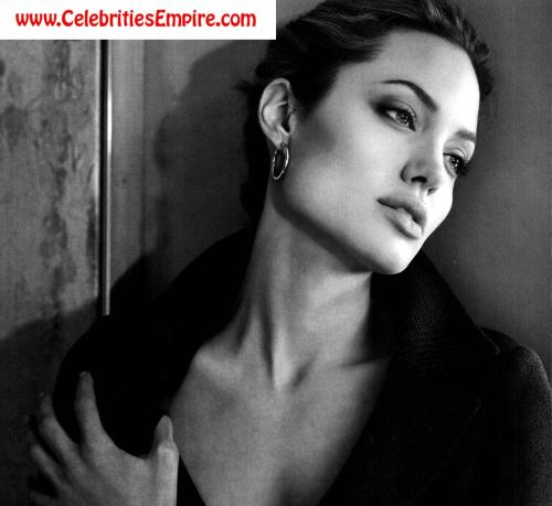 Angelina Jolie is mommyfree nude picturesLink to photo & video: bit.ly/JgRwzd