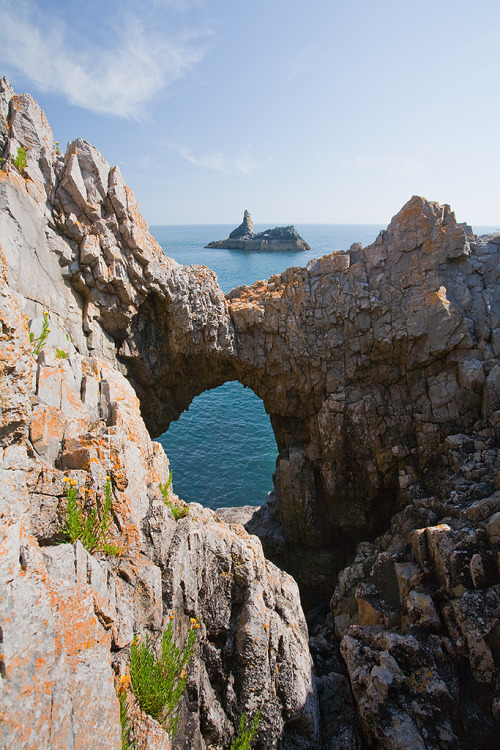 ukimages:  Church Rock- Pembrokeshire (by dave-pemcoastphotos.com)