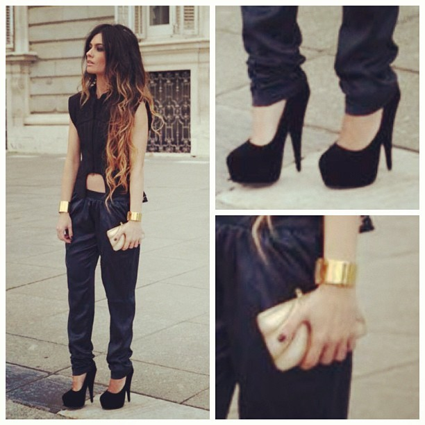 #details #brunette #trendy #style #fashion #bracelet #cuff #gold #clutch #curly #hair #ombré #streetstyle #pumps #silk #suede #sidewalk #poplin #blouse  (Taken with instagram)