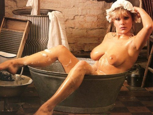 Samantha Fox full nude posingfree nude picturesLink to photo & video: bit.ly/IXApBB
