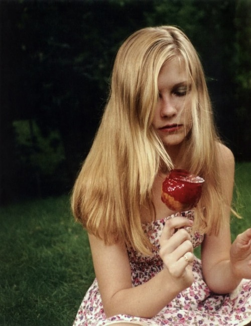 25/30 Photos from The Virgin Suicides