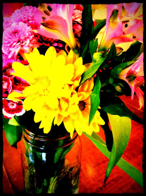 Pretty flowers at the cupcake shop last week…summatime!!