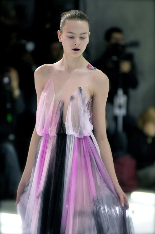 st-mcqueen:  everysituationisfashion:  Rodarte F/W 2008  I can't. It's so heavenly.