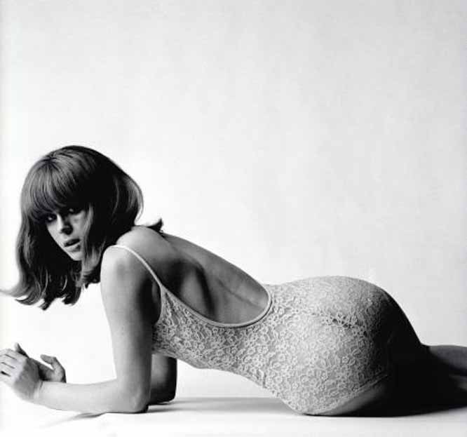 hollyhocksandtulips:  Joanna Lumley  Photo by Terence Donovan, 1966