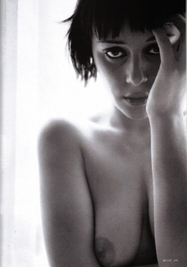 Keeley Hawes toples photoshoot in bedfree nude picturesLink to photo & video: bit.ly/IMaloe