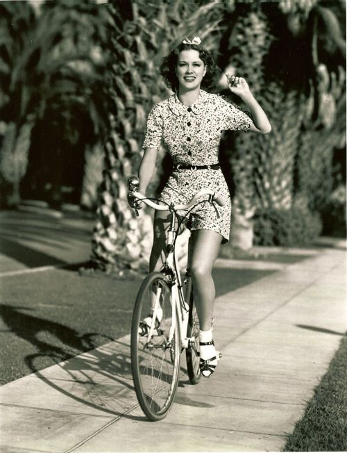 ridesabike:  Eleanor Powell rides a bike.