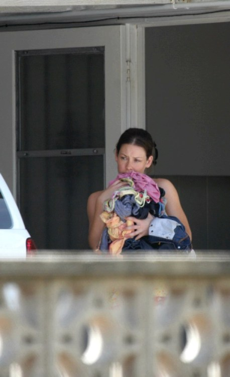 Evangeline Lilly posing and paparazzi picsfree nude picturesLink to photo & video: bit.ly/JgT4ZY