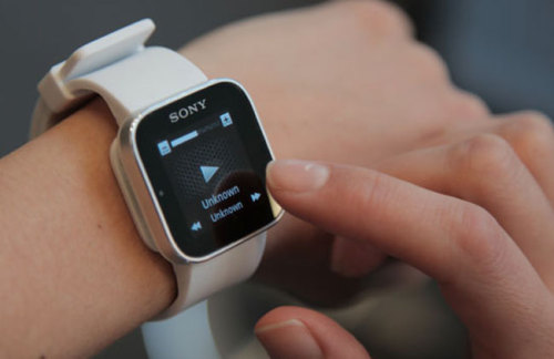 Sony is bringing their SmartWatch to India this month for Rs. 6,299!