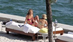 Jennifer Aniston topless and paparazzi picsfree nude picturesLink to photo & video: bit.ly/Jlyp1L