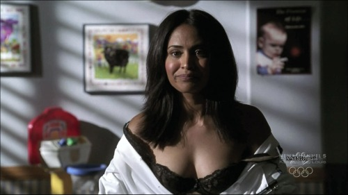 Parminder Nagra er nursestrips to underwearfree nude picturesLink to photo & video: bit.ly/IMa6t5