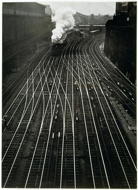 afterthenight:  Ergy Landau - Gare Saint-Lazare, 1934