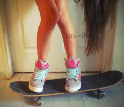 oh wow sneakers and skateboards <3