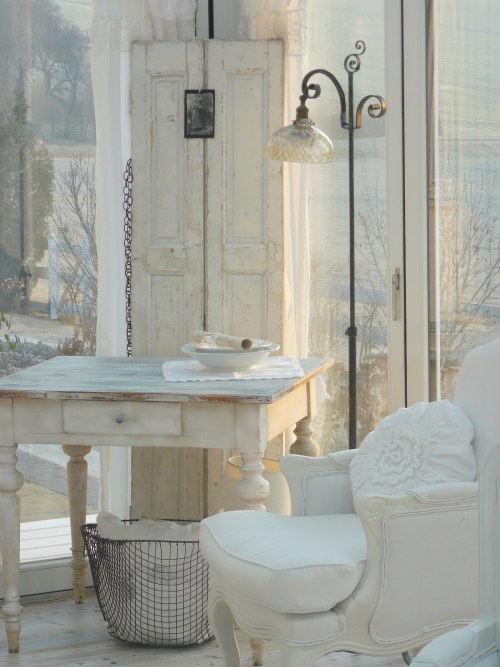 source: Finally White ~ gorgeous home & blog