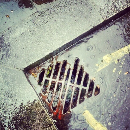 #london #drain #water #rain #street  (Taken with instagram)