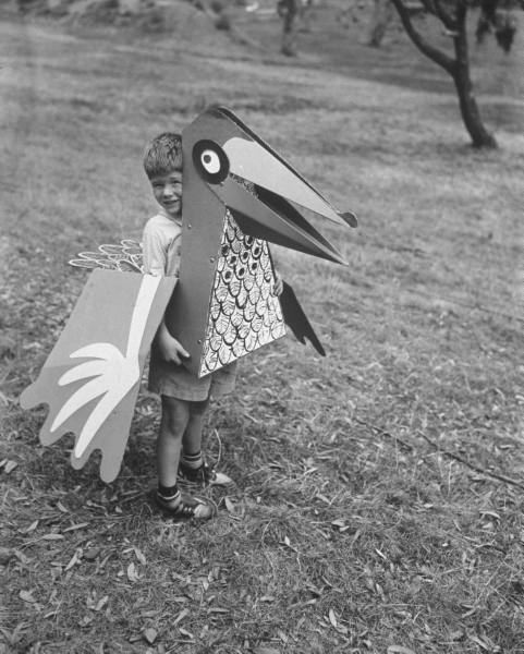 valscrapbook:  thereisnoforgetting: Allan Grant - bird toy by Charles Eames. June 1951.