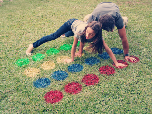 awesome picnic idea - DIY twister on the grass by Katie from you + me