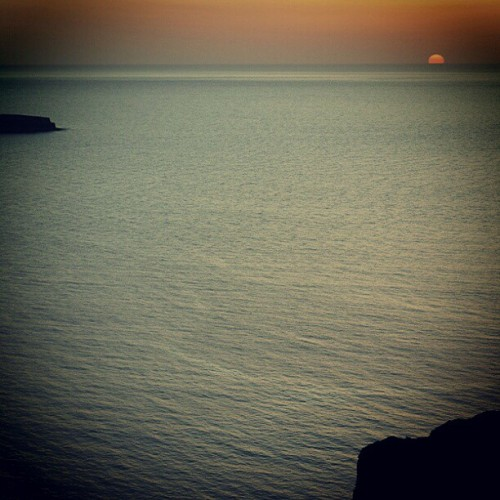#sea #stone #sun #nature #island #sunset #oia #santorini  #greece  #socialtravel  #picoftheday  #photooftheday  #instabest  #bestagram  #instagood  #clubsocial  #followme  (Taken with instagram)