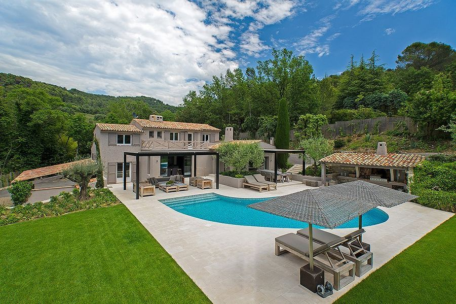 Extraordinary 5 bedroom Provencal style south facing villa in Mougins. I don't think the pictures even do it justice!