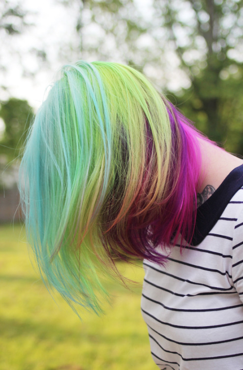 msbeehaven:  How I wish I could have millions of colors in my hair again, but it's not high school anymore.. Kaylah of Dainty Squid makes me smile with all those beautiful colors.