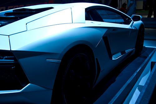 johnny-escobar:  Matte White Aventador via Ramon