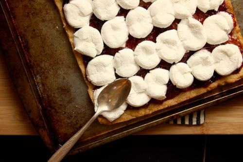 elorablue:  toasted marshmallow squares by joy the baker on Flickr.