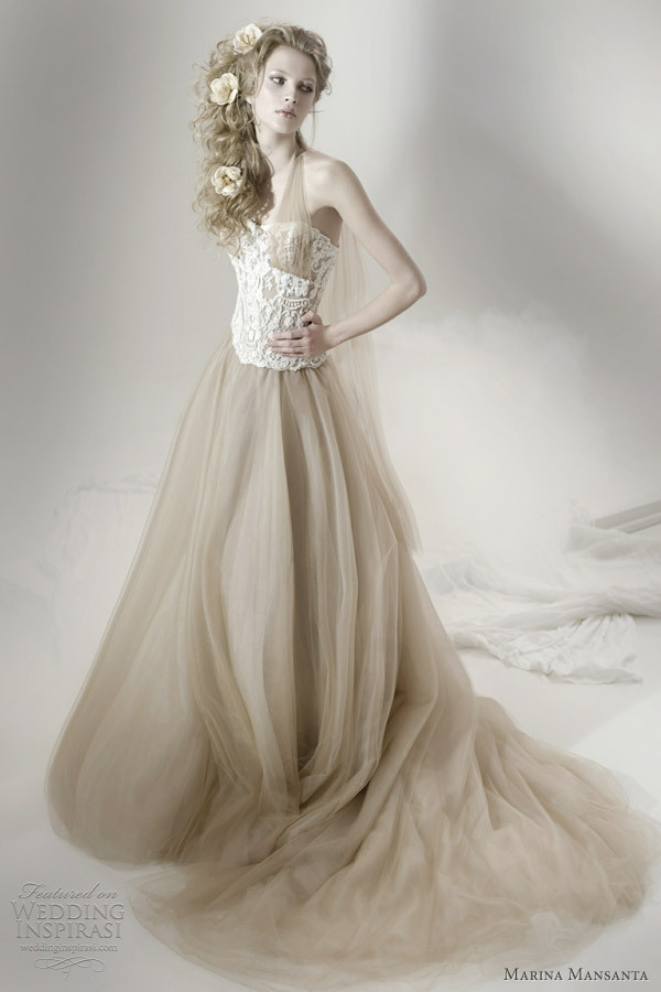 awesomeweddingdresses:  http://www.weddinginspirasi.com/2012/06/07/marina-mansanta-wedding-dresses-ninfe-bridal-collection/