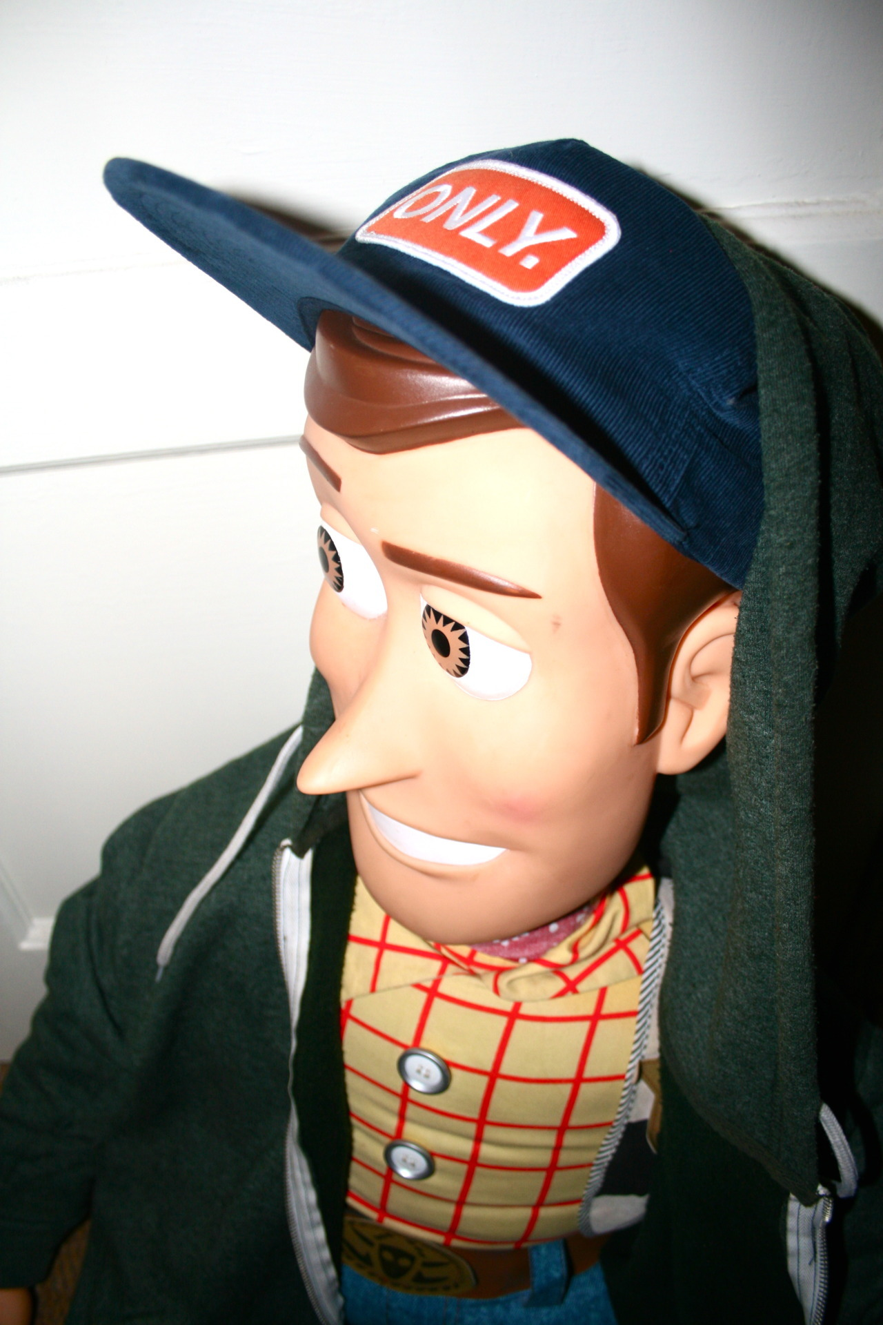 and-last-but-not-least:  shating96:  WOODY WENT STREET     O.O