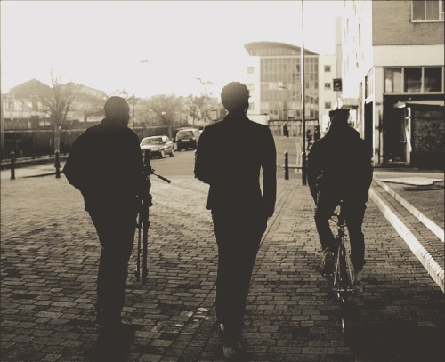 3 guys a bike and a camera. #warm #softtones #photography #canon #Hagerston #london #hackney #scenery