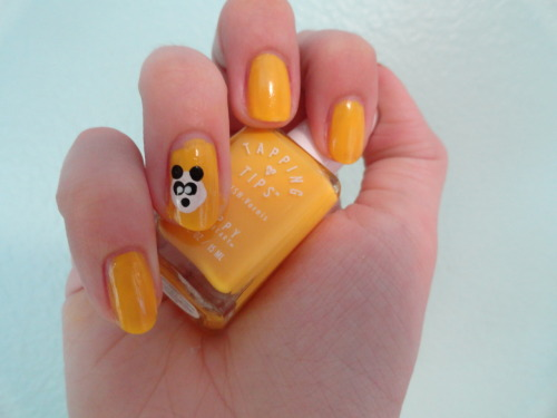 rarrrhannah:  Panda nails!