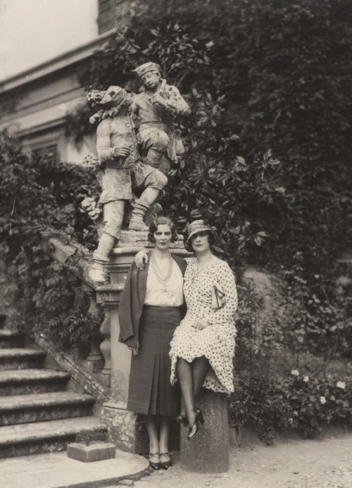 deviatesinc:  Violet Trefusis, right, 1931