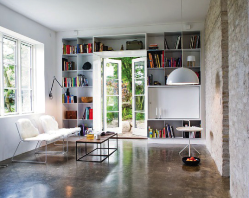 say no to the floor, yes to the shelves (via A House Like This)