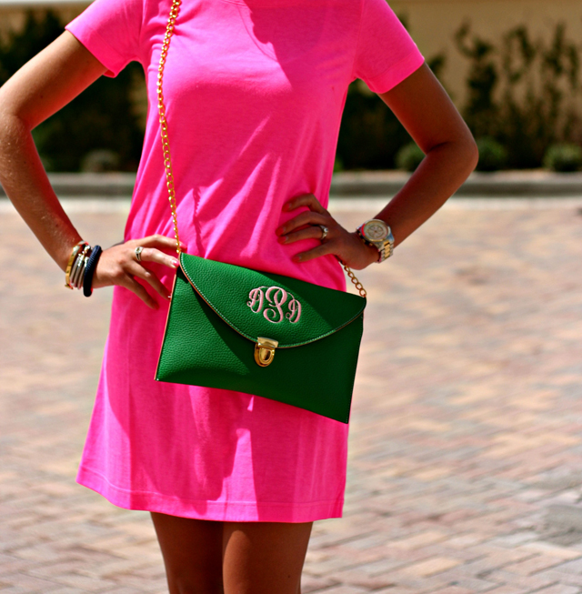 palmettotreesandporches:  I want that purse so bad!