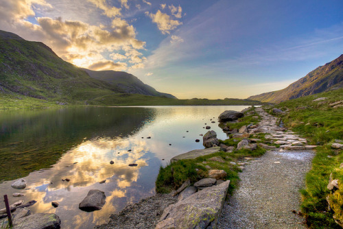 Llyn Idwal, Snowdonia National Park, Wales by matt.setlack on Flickr.