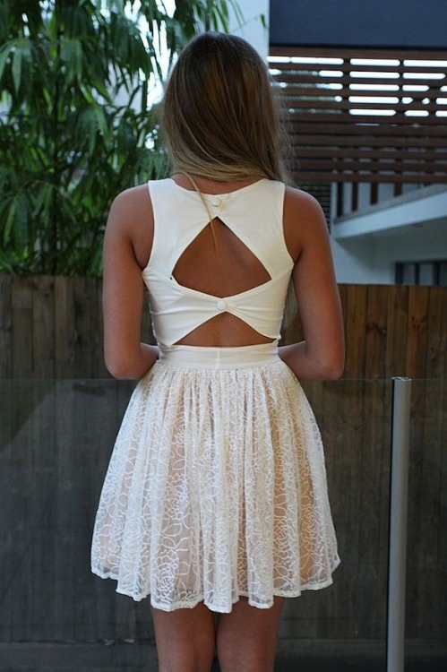 mi-n-t:  love the dress